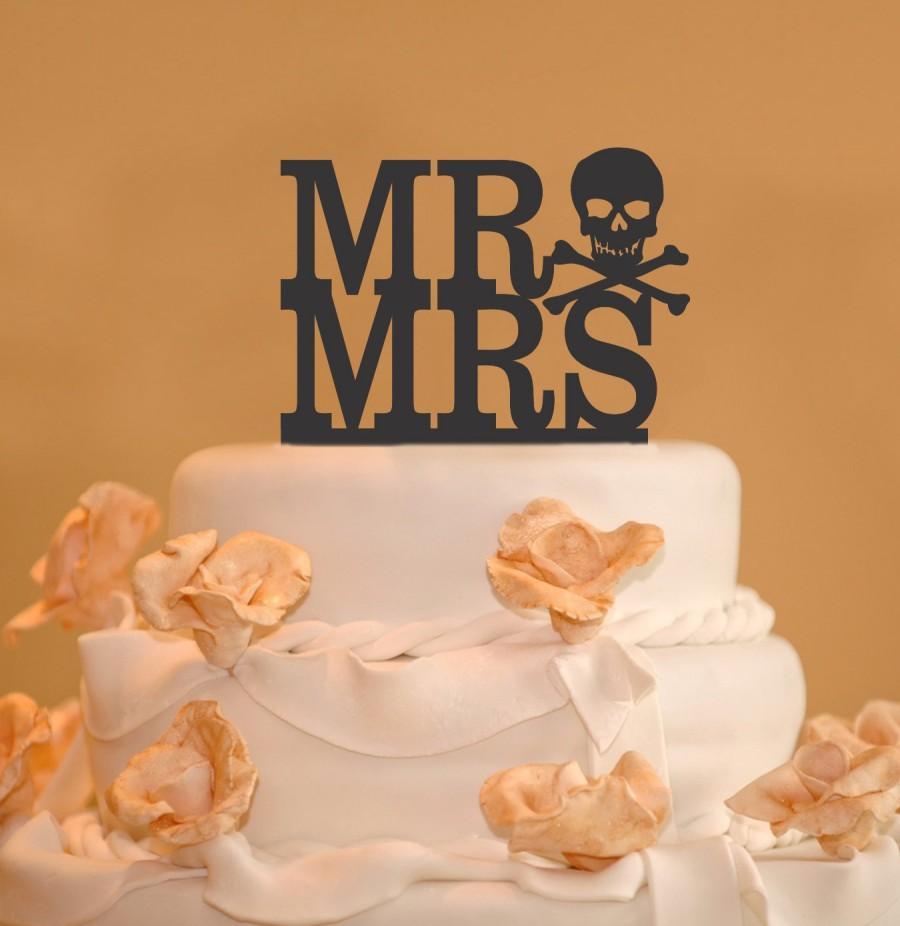 Свадьба - Mr. and Mrs. Wedding Cake Toppers - Skull and Bones Wedding Cake Topper - Goth wedding cake topper - pirate cake topper