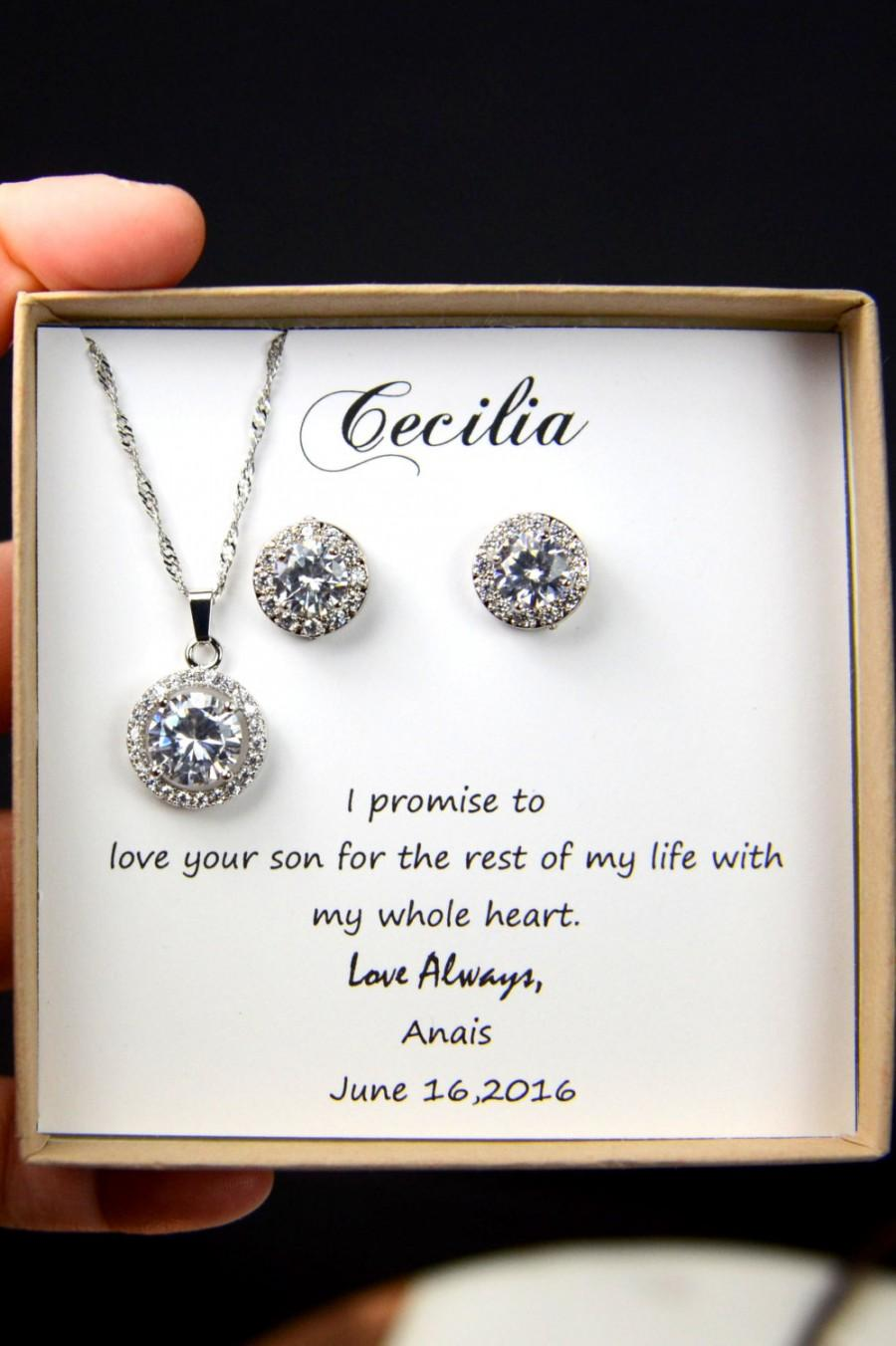 Свадьба - Mother of the Groom &bride,Solitaire Necklace, Cubic Zirconia Necklace,CZ Diamond BRACELET ,Mother In Law Gift,Small Circle Pendant BRACELET
