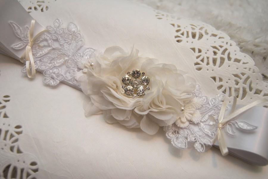 Свадьба - Wedding Sash; Bridal Sash; White Satin Belt; Lace; Rhinestone; Bridal Belt; Bridesmade Sash; Handmade SF004