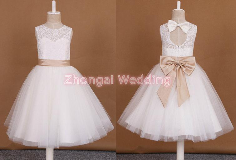 Hochzeit - flower girl dress, girls lace dress, baby girl dress, lace flower girl dress, rustic flower girl dress, ivory girl wedding dress,  bow dress
