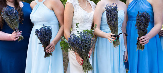 Hochzeit - Simple Bridesmaid bouquet