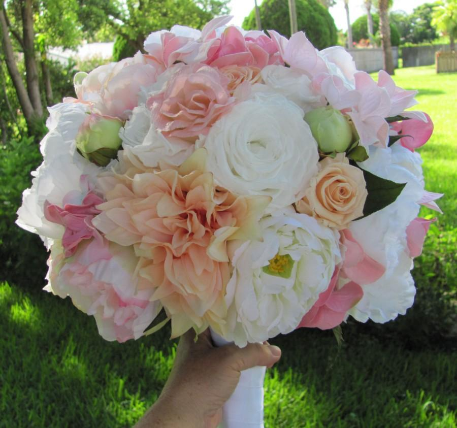 زفاف - Silk Bridal Bouquet a Mix of Pretty Preserved Roses and Fabric Flowers In a Large 12 to 13 Inch Custom Made Brides Bouquet