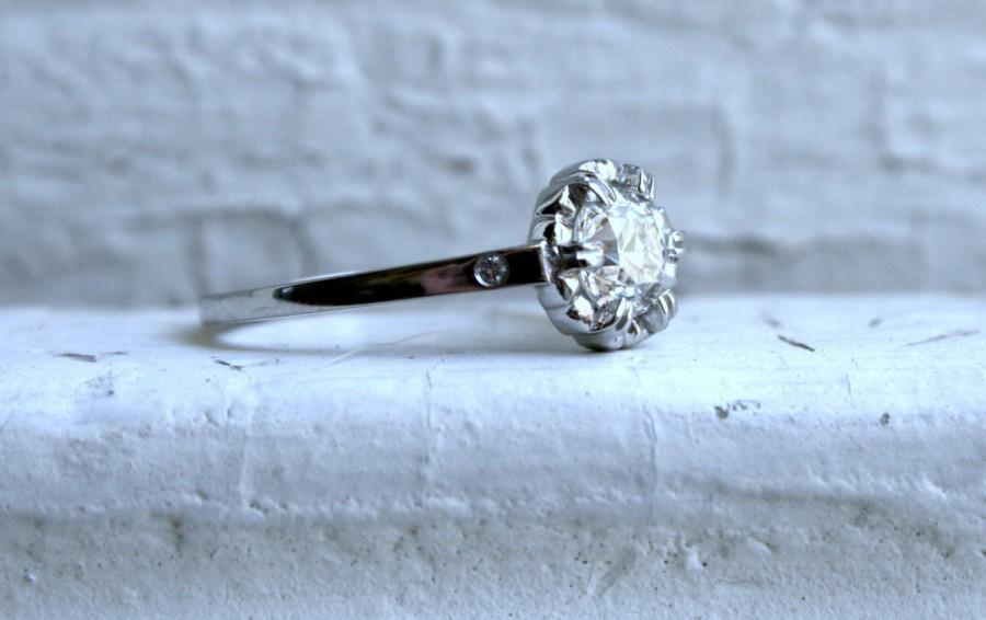 Mariage - Vintage Inspired Custom Platinum Ring with Diamonds.