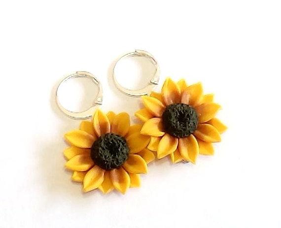 Mariage - Yellow sunflower dangle earrings - floral long drop earrings, Yellow Sunflower, Wedding Earrings, Sunflower Bridesmaid Earrings