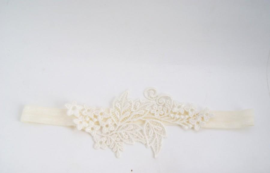 Wedding - ivory garter with Venice applique