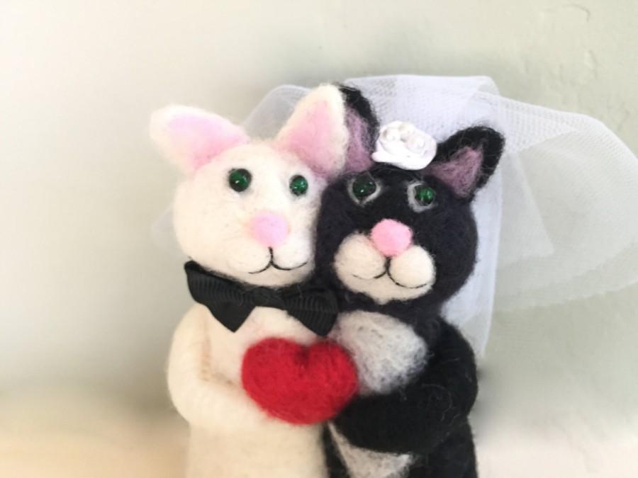 Mariage - Needle felted Black and White wedding cake topper black and white cats cake topper needle felted animal cake topper cat soft sculpture heart