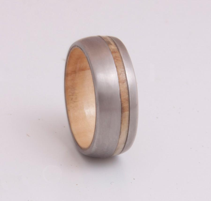 Mariage - titanium wedding band with inner wood comfort fit