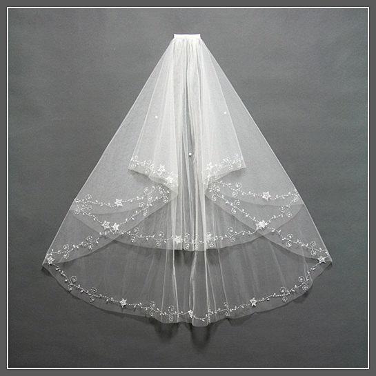 Hochzeit - Two Tier Bridal Veil, Wedding Veil, Ivory Wedding Veil, Elbow Length Bridal Veil, Elbow Wedding Veil, Bridal Veil Fingertip/ V002