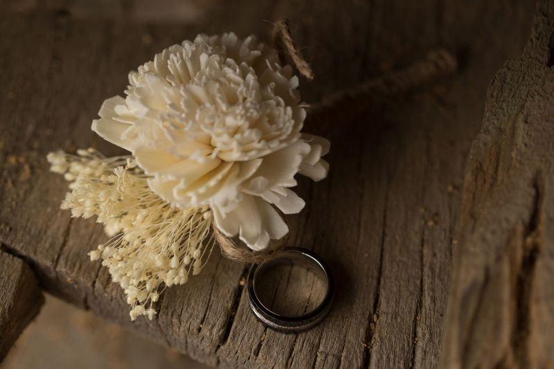 Свадьба - Boutonniere, Sola Wood Boutonniere, Rustic Bohemian Boutonniere,  Sola corsages, White Boutonniere, Sola Bouquets