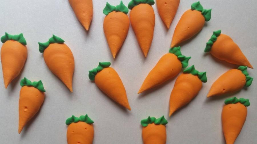Свадьба - Royal icing carrots -- carrot cake  -- Handmade cake decorations cupcake toppers (12 pieces)