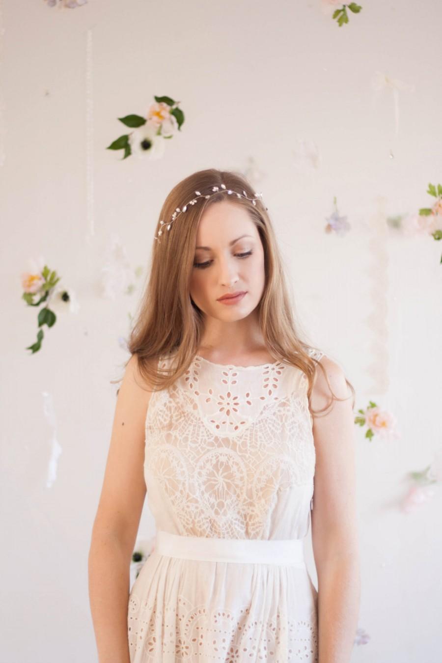 Свадьба - Pearl and Crystal Vine, crystal leaf halo, pearl headpiece, pearl rhinestone headband, Bridal tiara, wedding hair accessory, rose gold #126