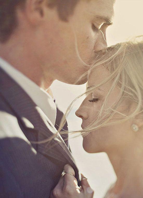 Mariage - Forehead Kiss