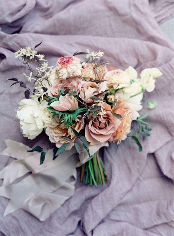 Hochzeit - Relaxed Summer Wedding In Blackberry And Lavender