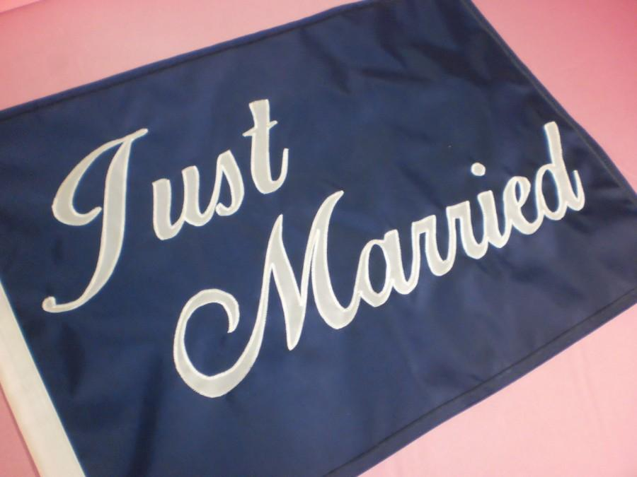 Mariage - Just Married Nautical Wedding Flag for Honeymoon Made to Order