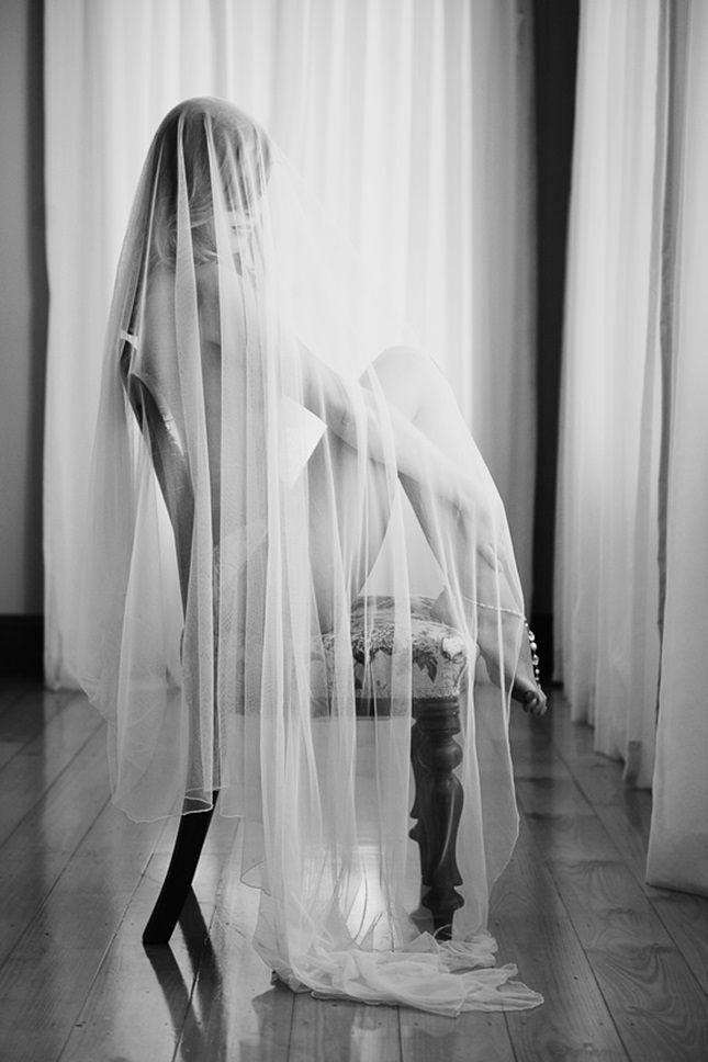 Hochzeit - 10 Sweet   Sexy Boudoir Pics For Your Wedding Day (or V-Day!)