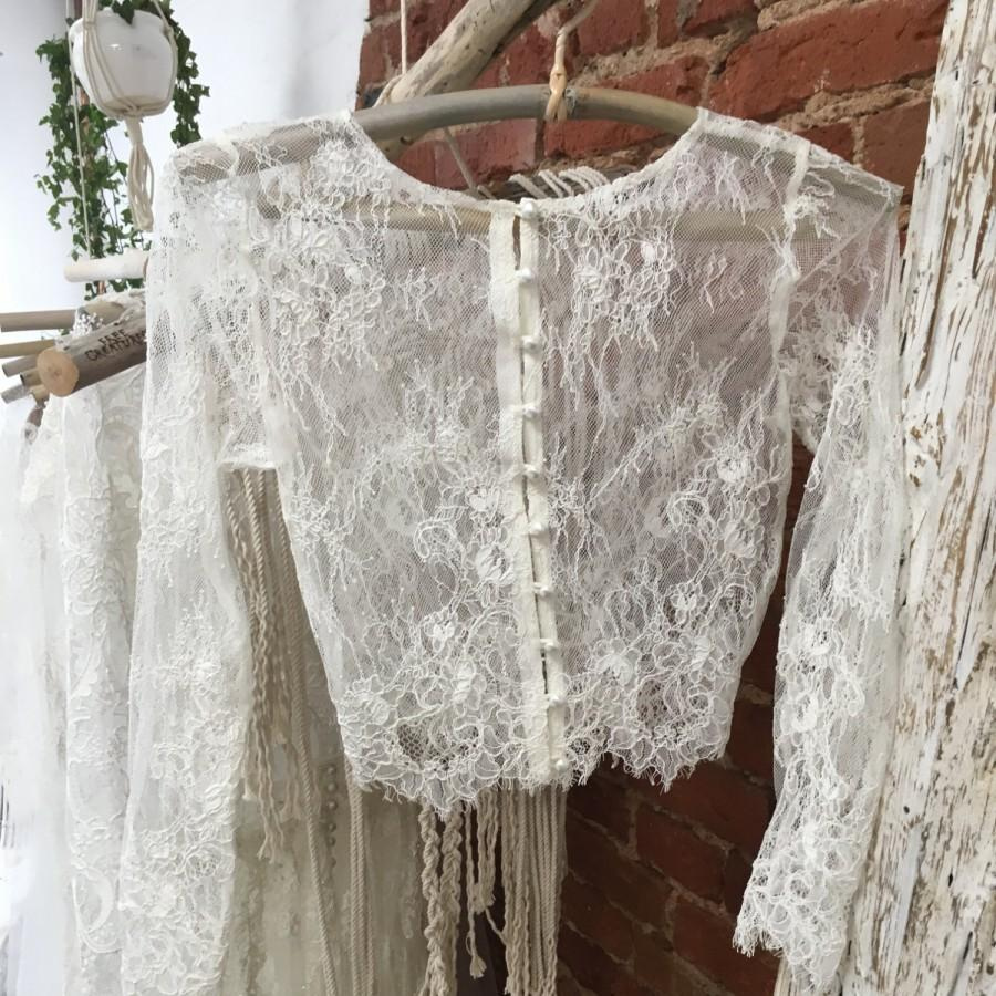 Long sleeve lace wedding dress toppers