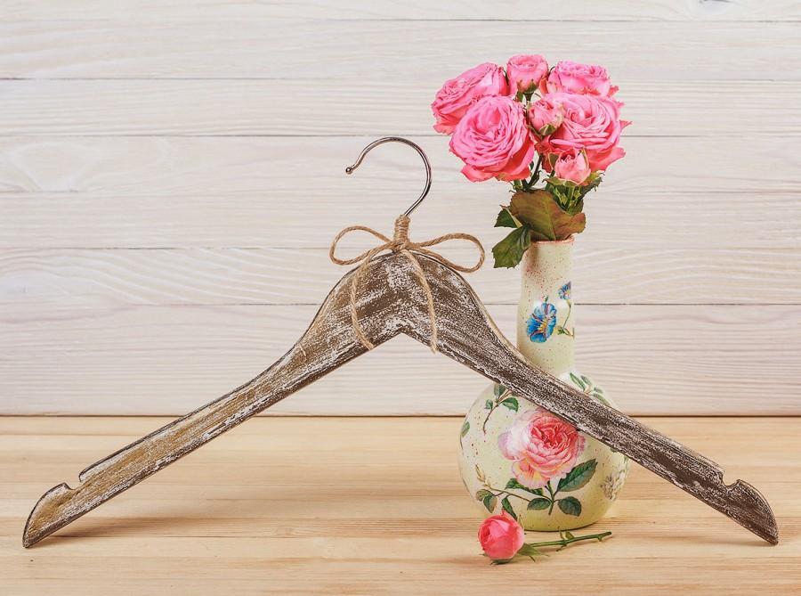Свадьба - Wedding vintage rustic hanger, Bridesmaid gift, Custom wedding hanger, Shabby chic wedding dress hanger, Hand painted hanger