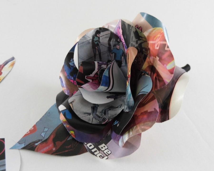 Mariage - Comic Book Paper Flower Rose Buttonhole/Boutonniere, Marvel, DC Comic Books, Wedding Flowers