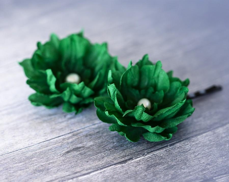 Wedding - Green floral hair pins, Emerald green flowers, Floral hair accessories, Bright green flowers, Flower in hair, Handmade flowers, Hair pins.
