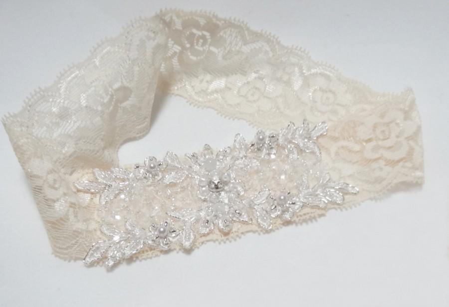 Mariage - Ivory Lace Garter,Wedding garter, Bridal garter, Ivory garter, Lace garter, Keepsake garter