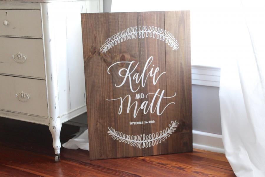 rustic wedding sign, personalized wedding sign with wreath, wooden