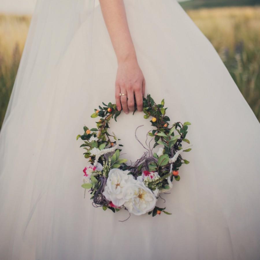 [تصویر:  bride-bouquet-wreath.jpg]