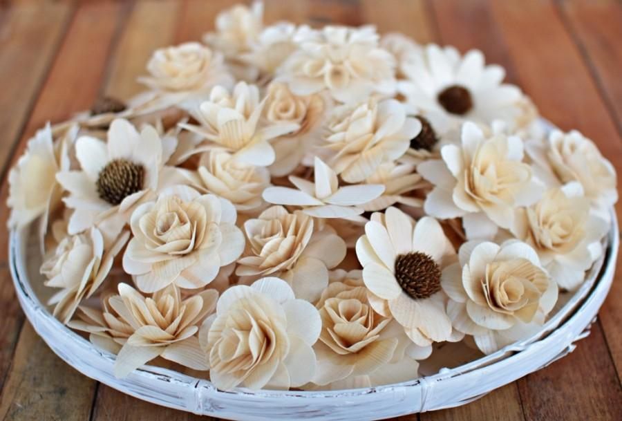 Свадьба - 100  Pcs Wooden Flowers - Natural Color-for Weddings, Home Decorations, Scrapbooking and Floral Arrangements