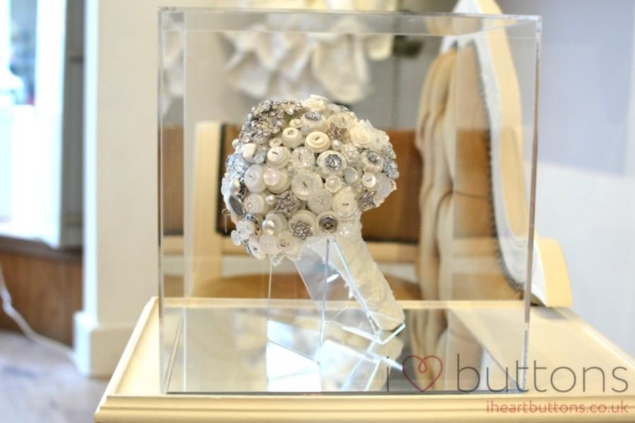 Decor - Wedding Bouquet Stand #2562085 - Weddbook