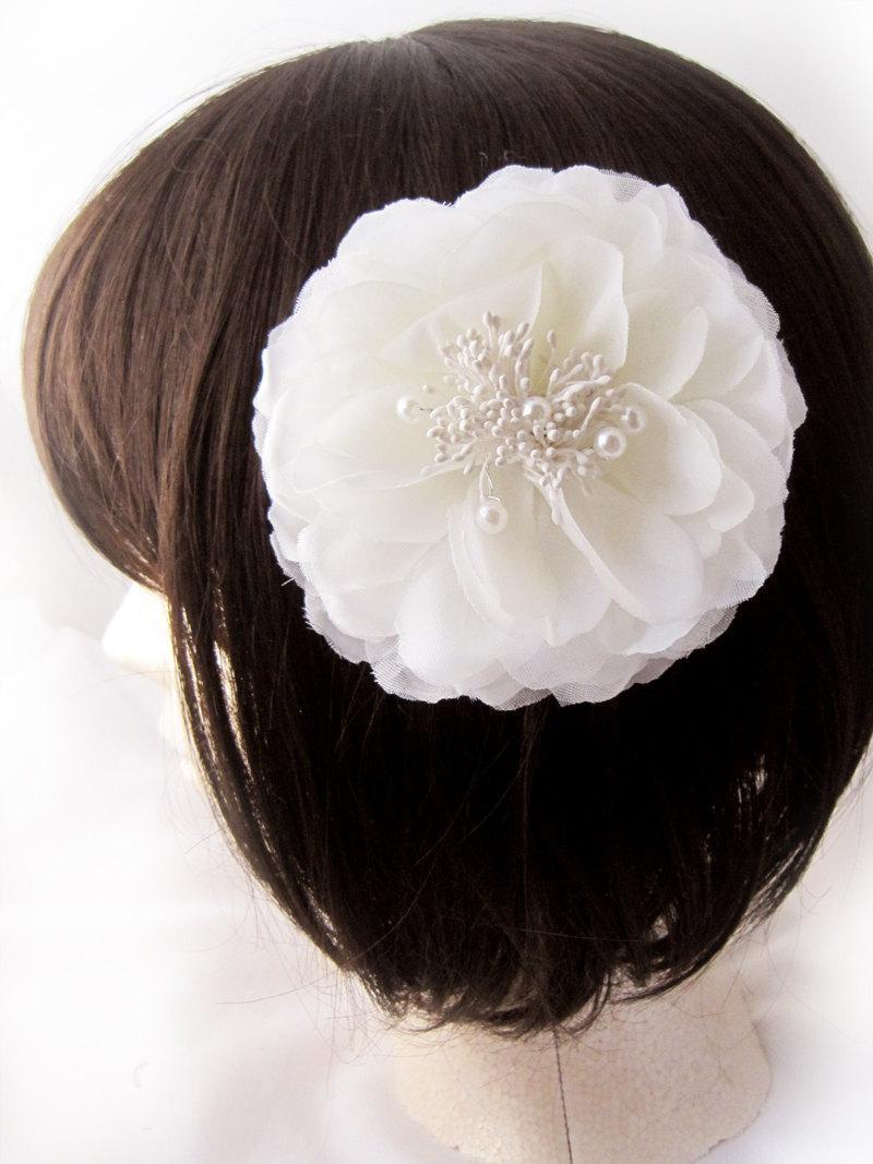 زفاف - White Peony wedding fascinator - Evie Bloom Design Silk Flower - Choose headband, hair clip, or hair comb fastener - Optional birdcage veil