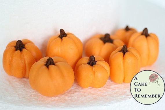 زفاف - 10 Gumpaste pumpkins for cake decorating, group of ten fall wedding cake pumpkins
