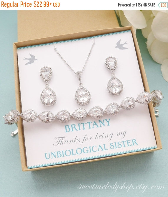Mariage - SALE Personalized Bridesmaid Gift, Bridal Earrings and Necklace Set, Wedding Bracelet Jewelry Set, Bridesmaid Jewelry Set, Mother of Bride G