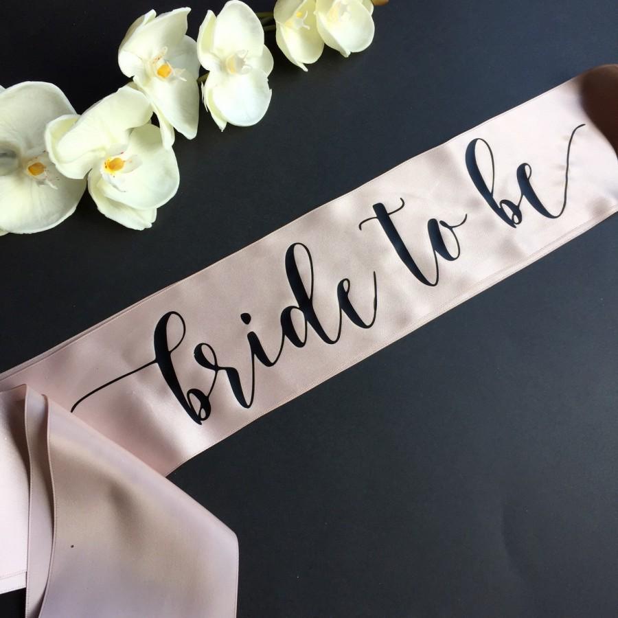 زفاف - Bride to Be Sash, Bachelorette Sash, Bridal Party Sash, Bachelorette Party, Party Sash, The Bride, The Bachelorette, Bridesmaid Sash, Bride