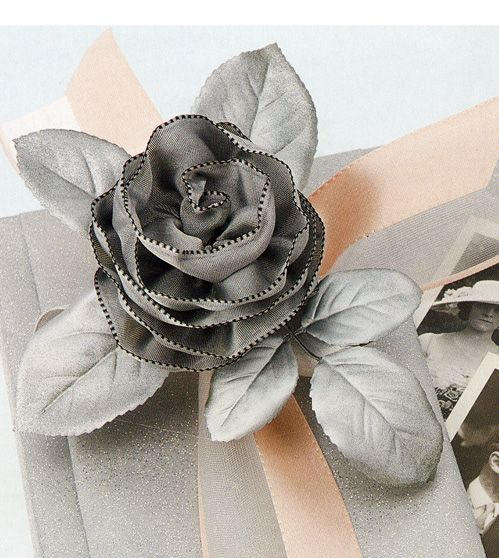 Hochzeit - DIY: How To Make Ribbon Roses