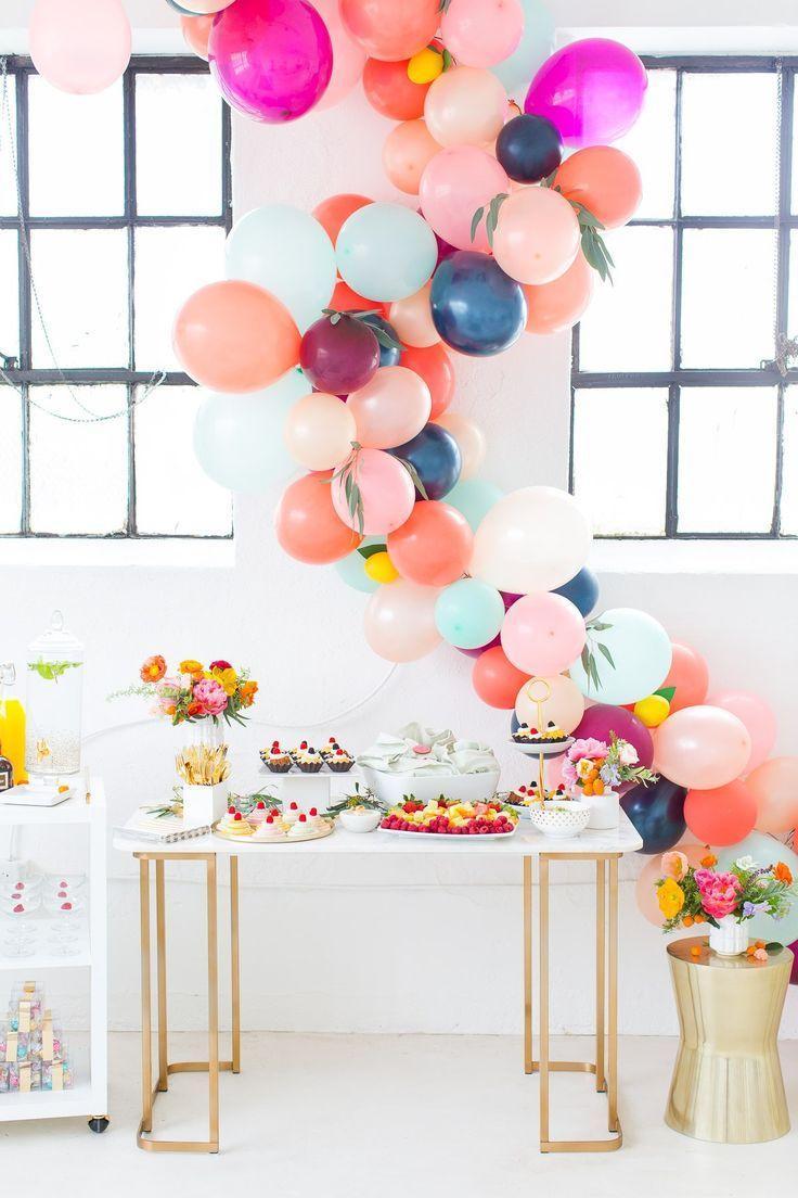 Hochzeit - How To Make A Balloon Arch (video!) & Reader Photos