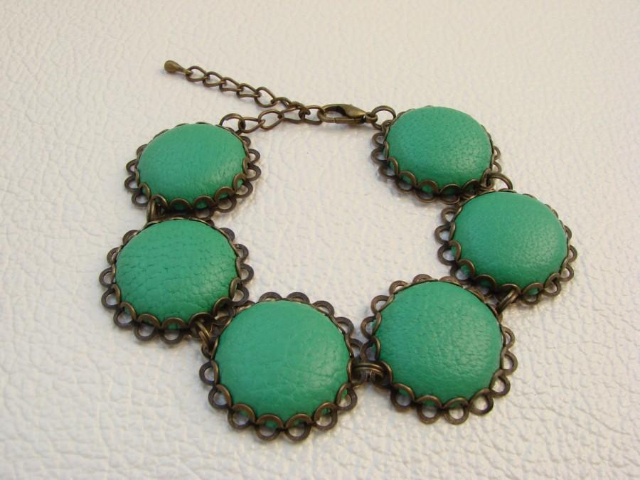 Mariage - Women's leather bracelet, Link Bracelet with Leather Cabochons, Victorian Boho Bracelet, Green Bracelet, Steampunk, FREE SHIPPING