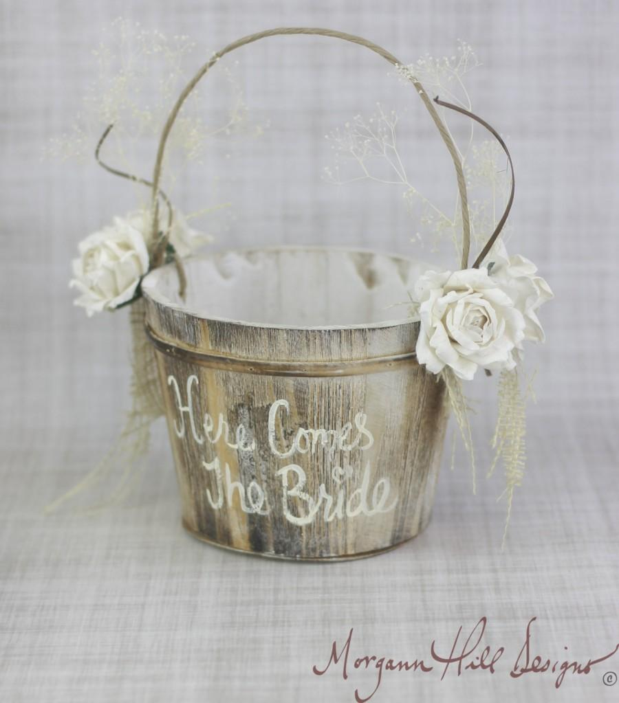 Mariage - Here Comes The Bride Flower Girl Basket Rustic Country Wedding (Item Number MHD100020)