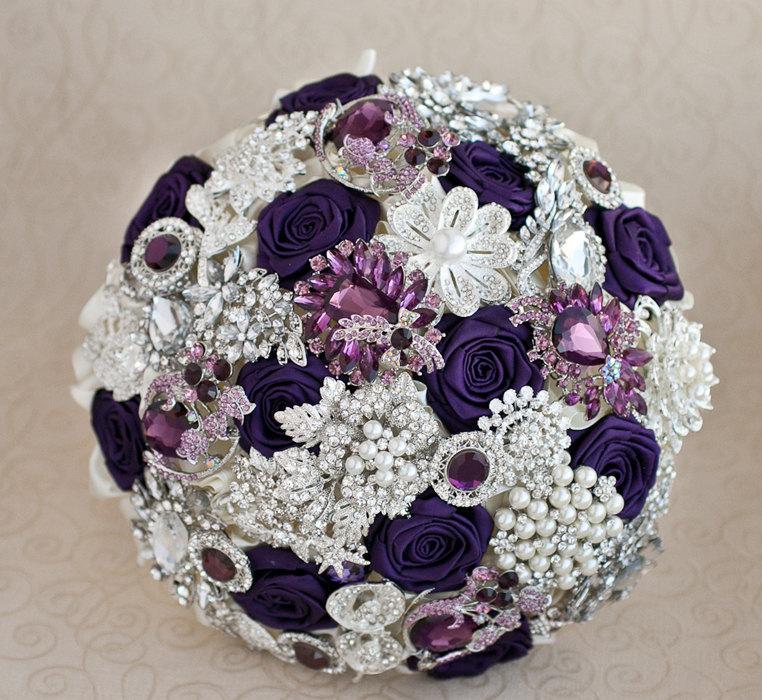 Hochzeit - Brooch bouquet. Purple, Ivory and silver wedding brooch bouquet, Jeweled Bouquet.