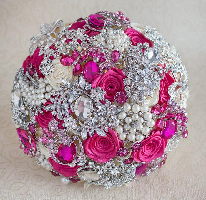 Hochzeit - Brooch bouquet. Hot Pink, Ivory and silver wedding brooch bouquet, Jeweled Bouquet.