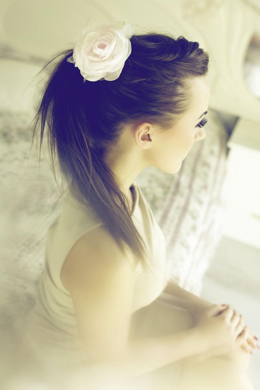 Mariage - Blush hair flower Blush bridal headpiece  Flower fascinator Bridal hair piece Rustic wedding hair flower Bridesmaid hair accessory
