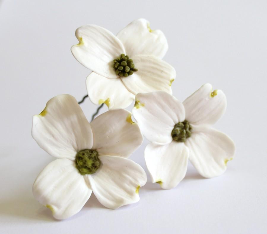 Mariage - White Dogwood Hair Pins, Bridal White Hair Flowers, Hair Pins, Flowers Set