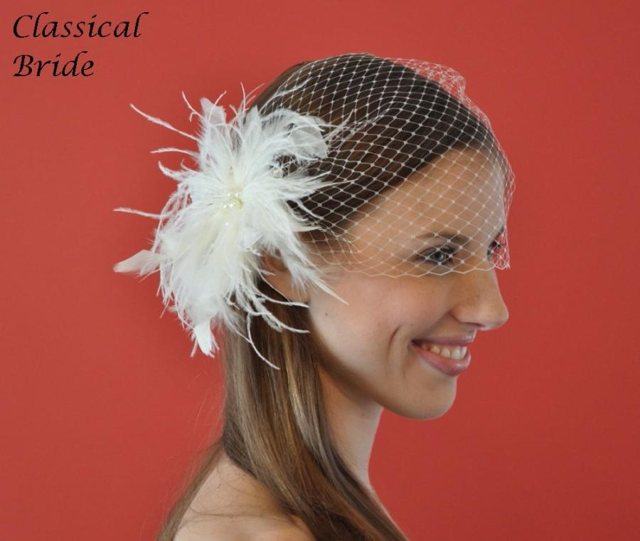 "Свадьба - Bandeau 801 -- VEIL SET w/ PEARL and Feather Fascinator Hair Clip & Ivory or White 9"" Birdcage Blusher Veil for bridal wedding"