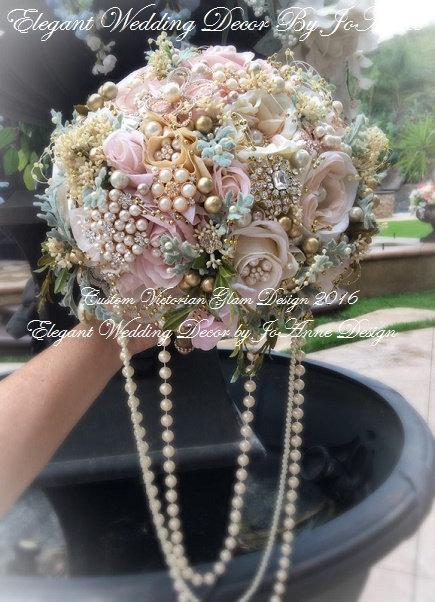 Свадьба - VICTORIAN GLAM BOUQUET - Deposit for a Custom Victorian Vintage Gatsby Style Jeweled Wedding Bouquet, Brooch Bouquet, Gold Brooch Bouquet