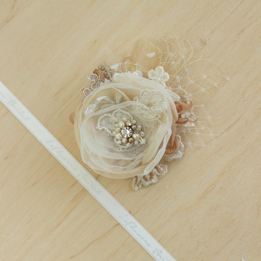 Hochzeit - Bridal headpiece, Champagne Bridal hair piece, Wedding hair flower, Wedding flower headpiece, Bridal Hair accessories, Tan, Gold, Fascinator