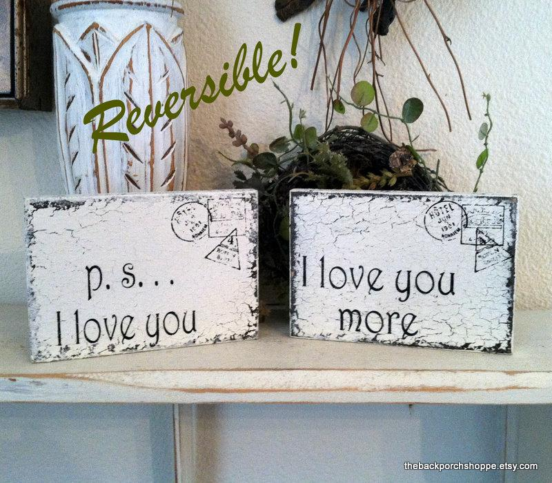 Свадьба - Mr & Mrs MINI REVERSIBLE SIGNS ps I love you / I love you more / Romantic Postcards / Valentines / 3 1/2 x 5