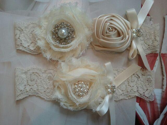 Свадьба - Wedding Garter - Bridal Garter - Ivory Garter Set with Pearl & Rhinestone - Style G2042
