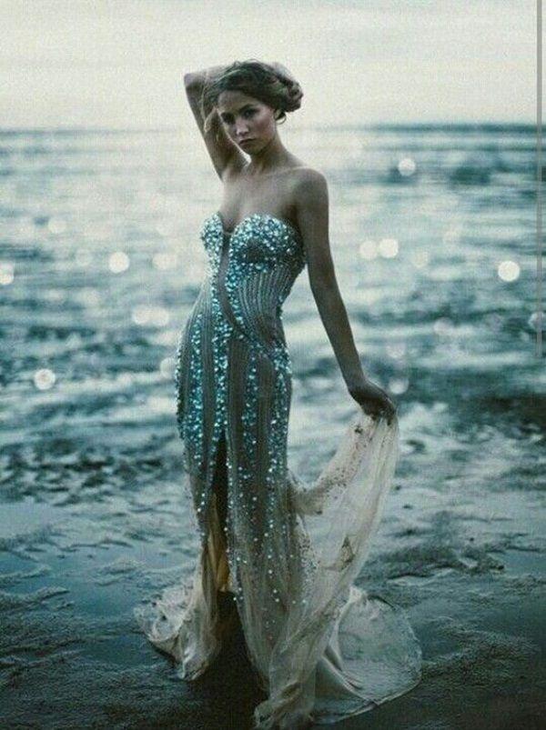 زفاف - 30 Gorgeous Glitter Dresses To Look Appealing