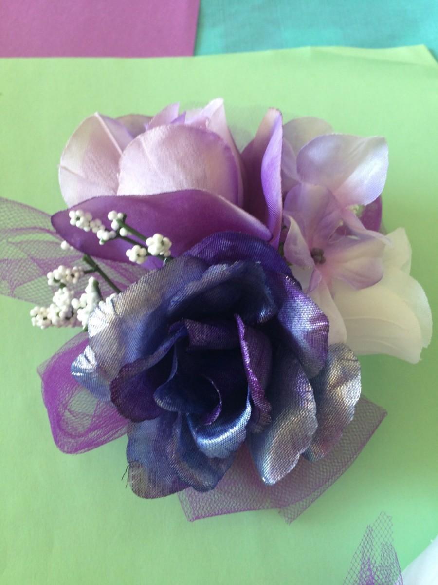 Hochzeit - Boutonniere Wrist Corsage Set Mettalic Purple Lavender White Blue Silk Handmade Formal Prom Wedding Ceremony Picture Accessor