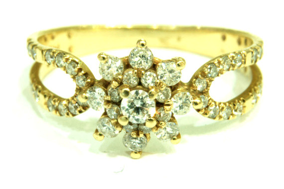 Mariage - Flower Ring Yellow Gold And diamond Flower Engagement Ring Unique Engagement Ring Floral ring  Flower band Engagement band Gold flower ring