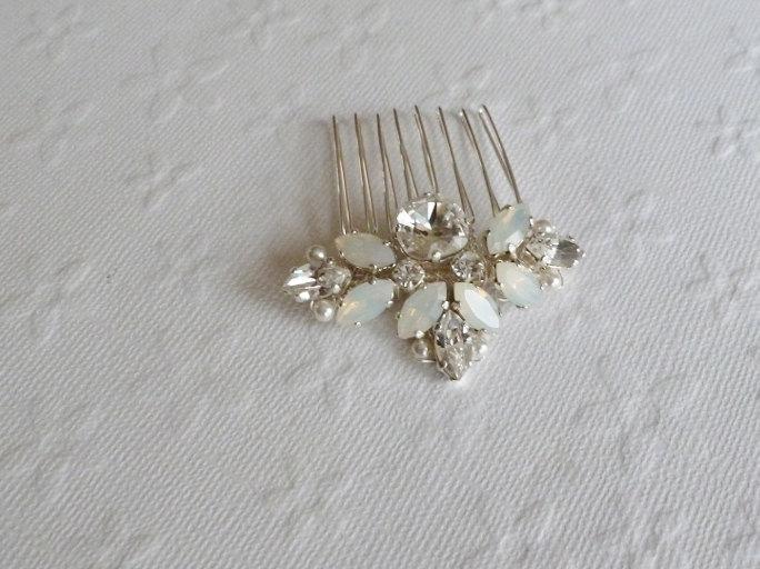 زفاف - Small Opal and Crystal rhinestone on Silver Haircomb  -  Bridal Silver Haircomb - Wedding Crystal Bun Ornament, hair adornement