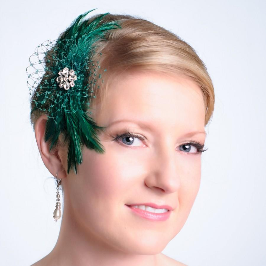Hochzeit - Emerald Green Feather Wedding Fascinator  Bridesmaid Evening Wear Made to Order 13 Colors Available